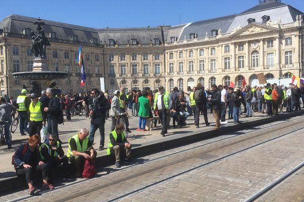 Ils sont moins d'un millier ce samedi à s'être mobilisés pour le 22e acte des gilets jaunes à Bordeaux.