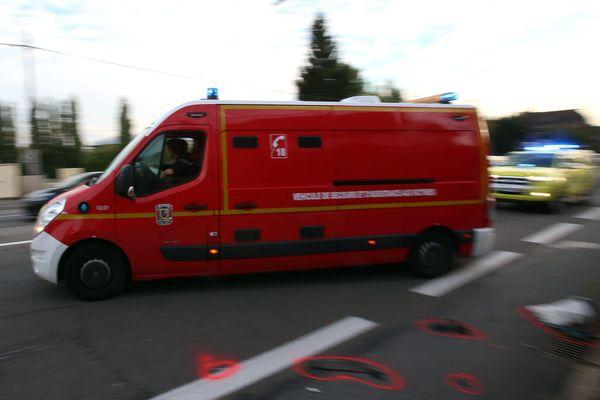 Un scooter qui circulait sur la D112, dans la commune de Lavalette en Haute-Garonne, a renversé un piéton dans la soirée du 28 février. Le pronostic vital de ce dernier est engagé. (Image d'illustration)