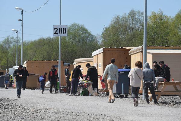 Il y aurait moins de 800 migrants actuellement dans le camp de Grande-Synthe.