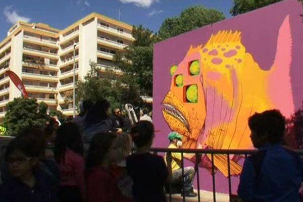 Le hip hop dans le quartier de la Paillade à Montpellier : une culture très vivante qui se décline aussi bien sur une piste de danse que sur les murs de la ville