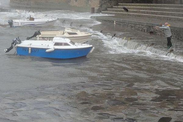 Ce riverain de Collioure ne craint pas la montée des eaux.