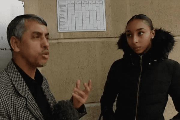 Mahmoud Doua, l'imam de la mosquée de Cenon est venu à la rencontre des lycéens.