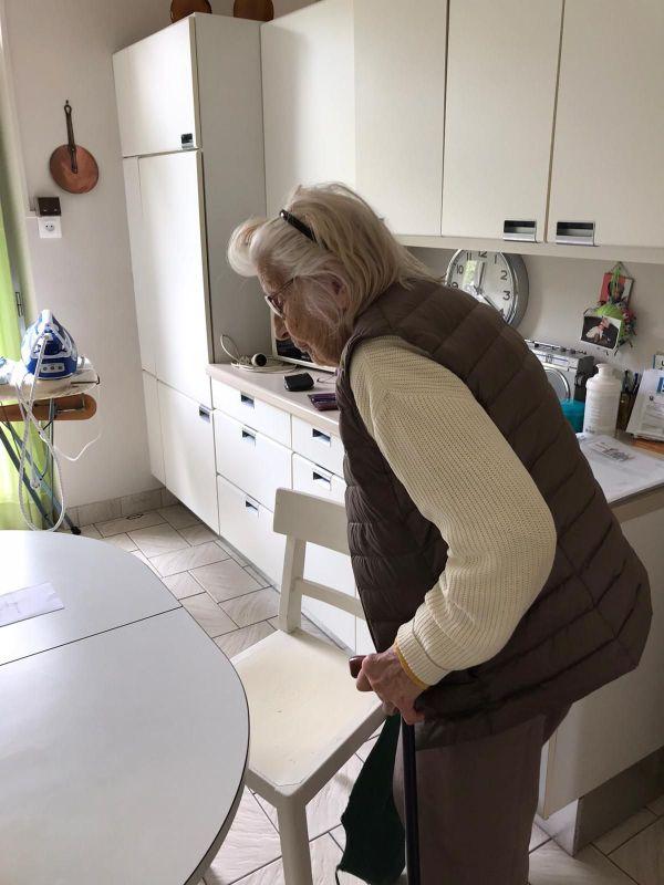 Colette Monnier vit dans sa maison de Vandoeuvre-lès-Nancy depuis 1941. Cette centenaire n'a jamais voulu se rapprocher de ses petits-enfants habitant en région parisienne.