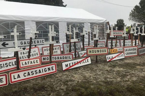 Mrecredi 14 février, c'était journée morte dans la Piège (Aude). En soutien avec les agriculteurs, tous les services administratifs des communes et des communautés de communes étaient fermés. Ils veulent être reconnus en zone défavorisée.