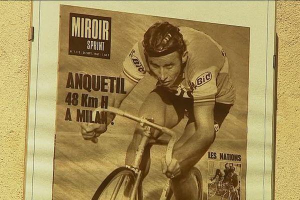 Jacques Anquetil a remporté 5 fois le Tour de France entre 1957 et 1964.
