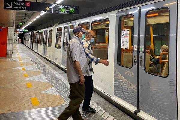 Les usagers étaient soulagés par l'ouverture de la station de métro.
