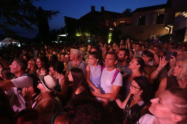 Le monde d'avant... un soir de concert de Brigitte au Mas des Escaravatiers.