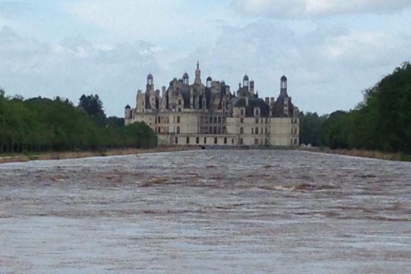 Le parc du Château de Chambord inondé.