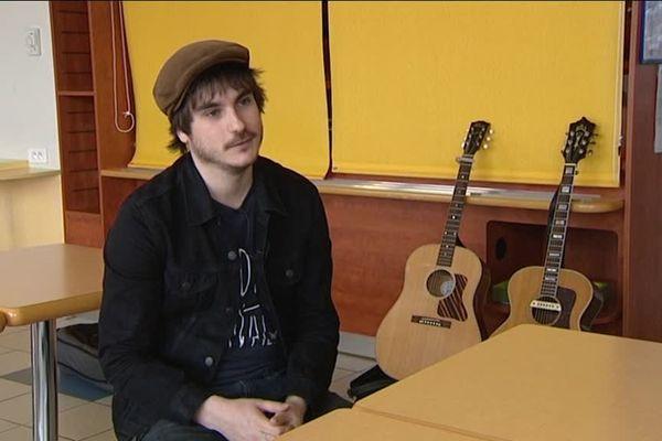 Le chanteur Gauvain Sers s'est inspiré de l'histoire du jeune haut-saônois Pierre Choulet, qui s'est converti à l'islam, avant de partir faire le djihad en Syrie, en octobre 2012.