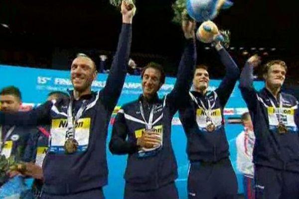Mondiaux de natation : les Français sur le podium. Ils ont décroché l'or en relais 4x100 mètres nage libre