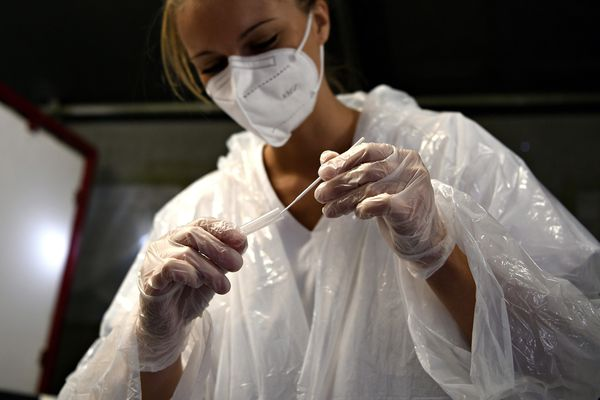 Les tests antigéniques, dont les résultats sont obtenus en 15 minutes, seront utilisés pour cette campagne massive de dépistage.