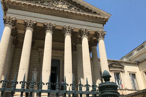 Michel Rigattieri, un ancien policier comparaît devant la cour d'assises de Montpellier pour avoir tué sa compagne d'une balle dans la tête en mai 2011 à Sète. Il nie les faits.