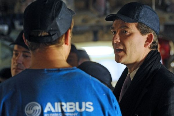 Arnaud Montebourg en visite chez Airbus