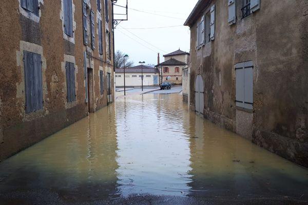 Une rue de Vic-Fezensac (Gers), ce mardi 29 décembre