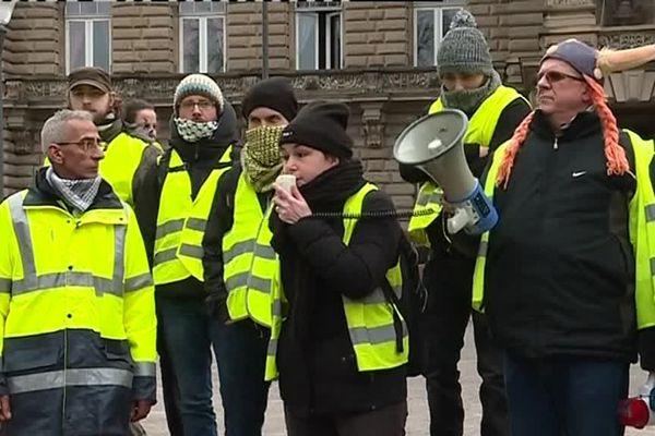 Les gilets jaunes organisent une concertation, ce samedi matin sur la place de la République (Strasbourg).