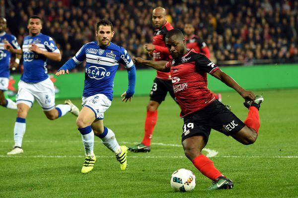Le 11 mars, Yannis Salibur inscrit un but pour Guingamp. Le premier d'une série de cinq.