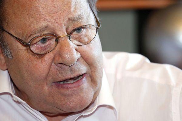 Le maire socialiste d'Allauch, Roland Povinelli est mort d'une crise cardiaque à l'âge de 78 ans, le 11 mai 2020.