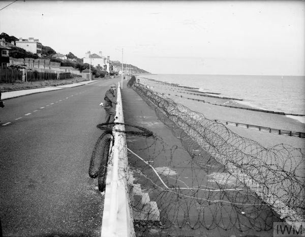 Les défenses côtières britanniques à Sandgate, près de Folkestone, en juillet 1940.