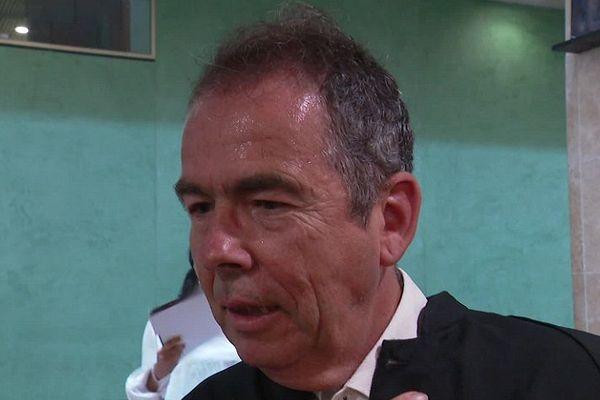 La réaction de Me François Cornut, avocat du professeur d'EPS condamné ce lundi 1er juillet après la mort en novembre 2013 d'un collégien, victime d'une chute d'un mur d'escalade de Vaulx-en-Velin. L'enseignant a dix jours pour faire appel.