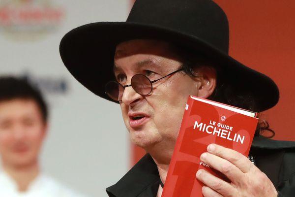 Le chef de la Maison des Bois à Manigod (Haute-Savoie) Marc Veyrat veut se retirer du guide Michelin, qui a refusé sa demande.