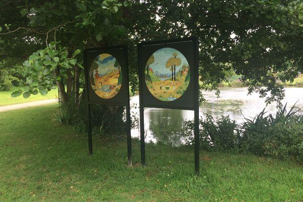 Exposition des œuvres d'Alain Thomas autour de l'étang de Saint Caradec (22)