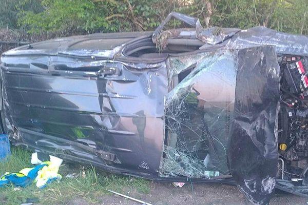 Un jeune homme de 22 ans s'est tué dans un accident de voiture, ce samedi 11 avril.