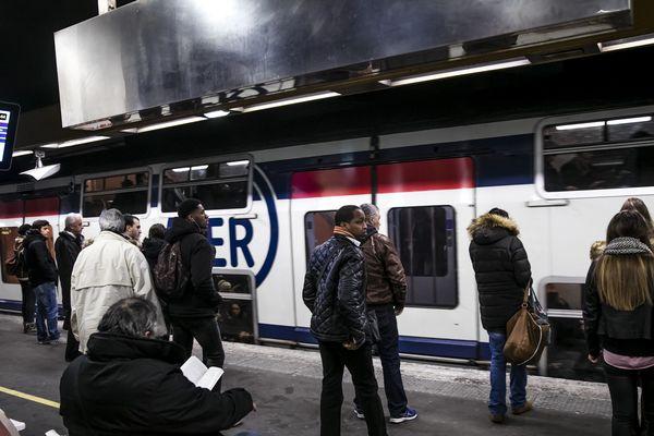 Des passagers du RER A (illustration).