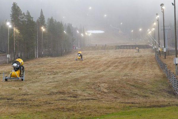 En novembre 2011 déjà, les slaloms de la Coupe du monde de ski alpin à Levi, en Finlande, avaient été annulés par manque de neige.