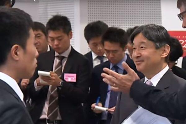 Le futur empereur avait notamment rencontré des chercheurs japonais au CEA et à Minatec.
