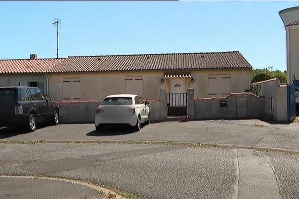 La maison de Tonnay-Charente (17) où Guy.S., considéré comme chef de file du réseau d'ultradroite, a été arrêté.