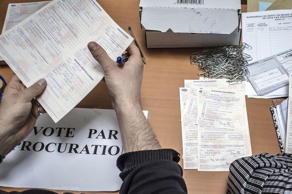 Pour l'instant la mairie de Toulouse a reçu 3000 procurations pour le 2ème tour des municipales contre 3400 au 1er tour.