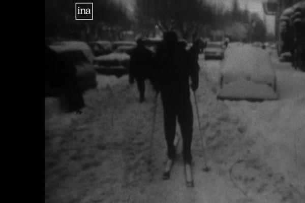 Dans les rues, on progresse à skis. Les médecins aussi, dans leurs campagnes respectives