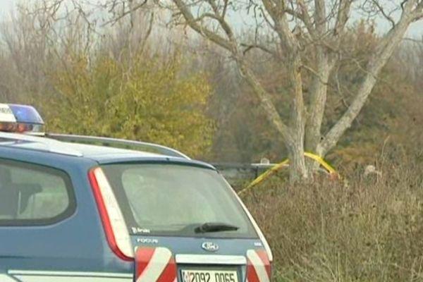 Martignargues - Saint-Cézaire-de-Gauzignan (Gard) - les gendarmes inspectent le lieu du drame - 23 novembre 2012