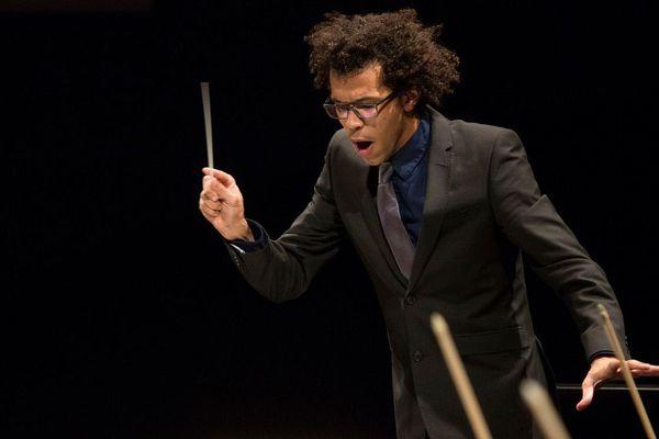 L'Américain Johnaton Heyward remporte le 54ème concours international des jeunes chefs d'orchestre à Besançon