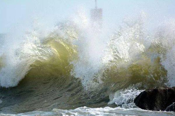 Une forte houle, photographie envoyée par Pauline Horellou