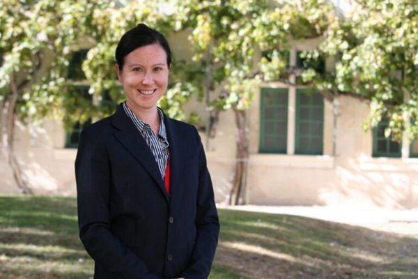 """"""" Évidemment, en tant qu'enseignante à Sciences Po, en spécialisation philosophie politique, j'ai hâte de retrouver mes étudiants pour pouvoir échanger autour de tout cela"""" confie Crystal Cordell Paris, directrice adjointe en charge des affaires académiques à Sciences Po Reims, enseignante et américaine."""