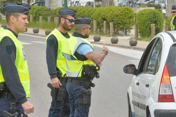 Photo d'illustration d'un contrôle routier par la gendarmerie nationale.