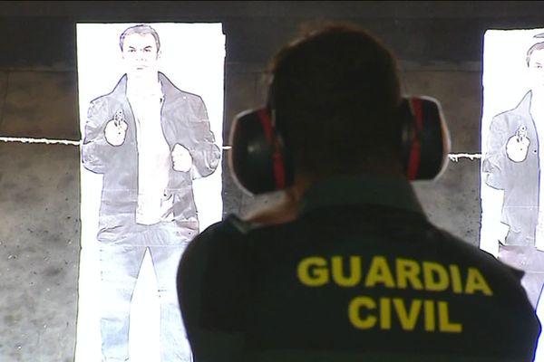 Plus d'une centaine d'élèves de la Guardia Civil se forment en ce moment à l'école de gendarmerie de Dijon.