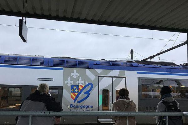 Un TER (train express régional) de Bourgogne