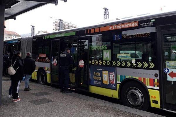 Respect du confinement : les opérations de contrôle vont se multiplier sur le réseau des transports en commun de la métropole de Saint-Etienne comme dans le quartier Bellevue le 30 mars 2020