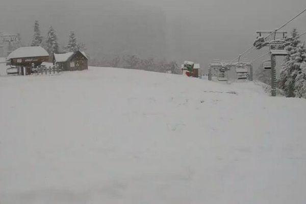 Météo France a placé ce dimanche 5 départements d'Occitanie en vigilance neige-verglas. Il s'agit de la Lozère, des Pyrénées-orientales, l'Aveyron, l'Ariègeet la Haute Garonne et les Hautes Pyrénées.