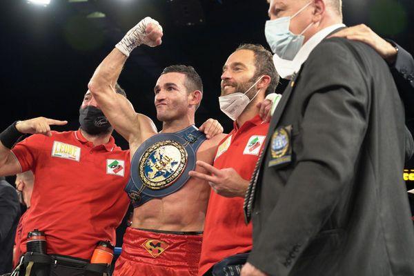 Matteo Signani conserve sa ceinture de champion d'Europe des poids moyens.