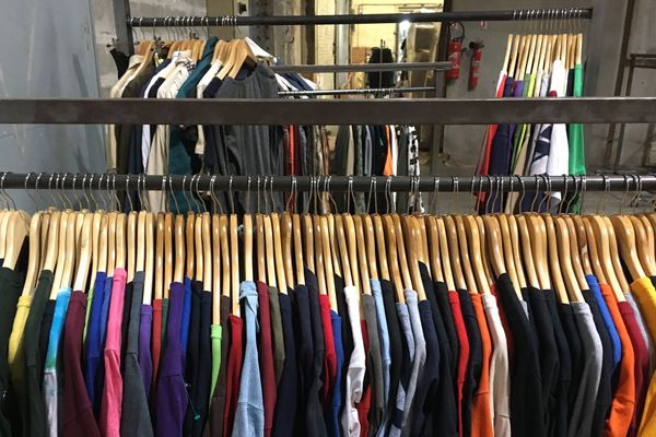 Une nouvelle vie pour des tonnes de vêtements
