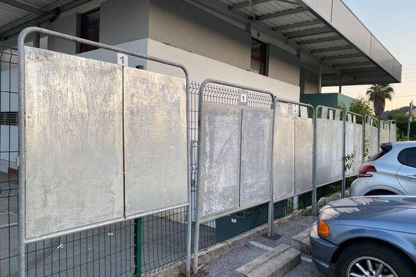 Ira-t-on voter en juin ? Les panneaux d'affichage pour la campagne resteront-ils vierges ? Photo prise à Golfe-Juan en juin 2020.