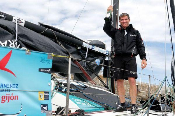 Le skipper Xavier Macaire s'impose à Gijon dans la première étape