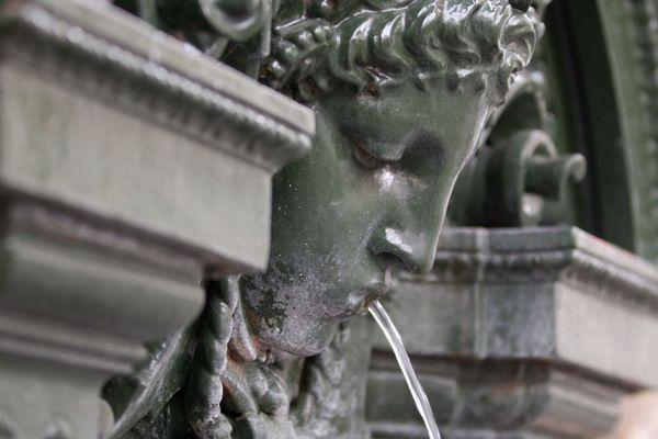 A Paris il existe plus de 1 200 fontaines