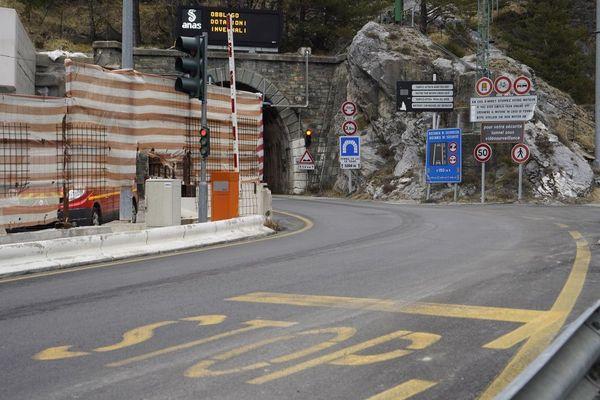 L'entrée du tunnel de Tende, côté français, avant le passage de la tempête Alex.