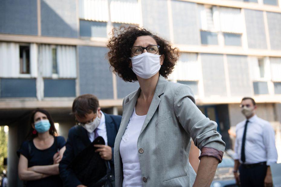 La ministre déléguée au Logement Emmanuelle Wargon en préfecture à Marseille ce mercredi