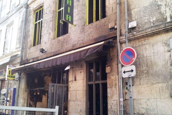 La pizzeria du centre-ville d'Angoulême après l'incendie de cette nuit.