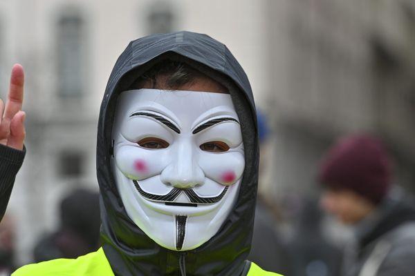 """Un appel à mobilisation pour le """"Déconfinement des luttes"""" est lancé par quatorze organisations, parmi lesquelles des sections de gilets jaunes, pour samedi 16 mai 2020 à Lyon."""